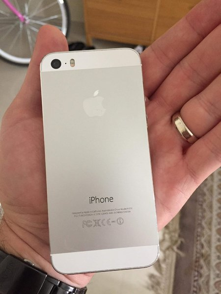 Used IPhone 5s- Original in Dubai, UAE