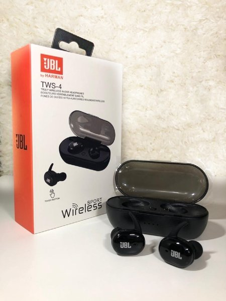 Used Higher bass jbl with charging case*! in Dubai, UAE