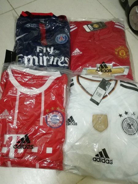 Used Team set jerseys in Dubai, UAE