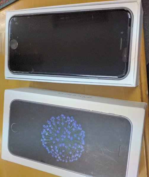 Used iPhone 6 16GB Factory Unlocked space gre in Dubai, UAE