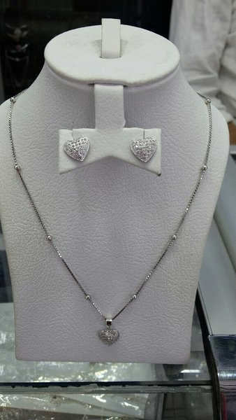 Used silver necklace for ladies 925 in Dubai, UAE