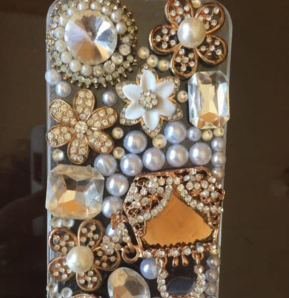 Used #iphone5 #cover #packedpiece #crystals #pricenegotiable in Dubai, UAE