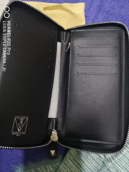 Used New Louis Vuitton Wallet in Dubai, UAE