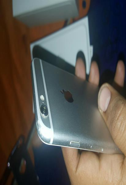 Iphone 6 Silver 128gb With Charger And Box