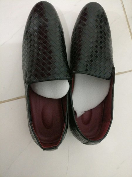 Used Men's woven leather shoes in Dubai, UAE