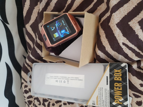 Used New smart watch and power bank set in Dubai, UAE