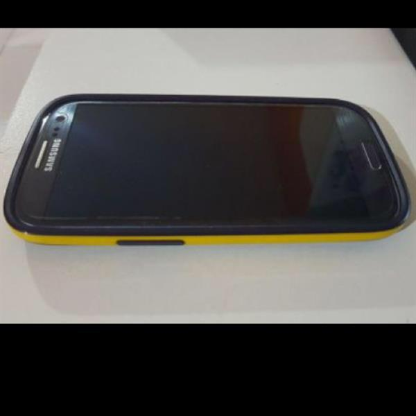 Samsung Galaxy S3 With Box And Accessories. Free Original Spigem Cover Worth Dhs 100