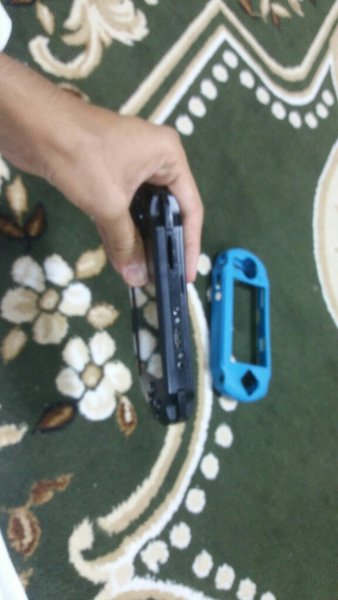 Used Sony psp for sale. With a small probelm. in Dubai, UAE