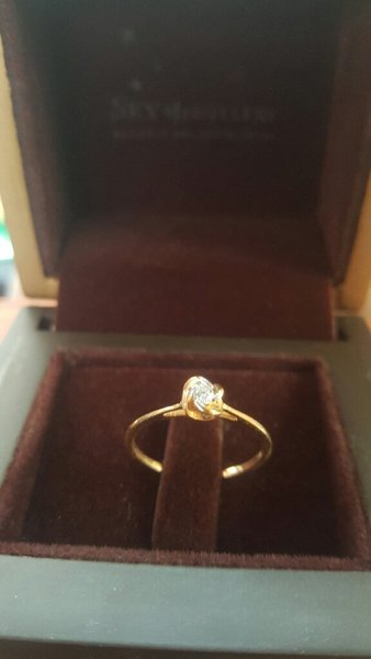 18 K gold ring with Diamond