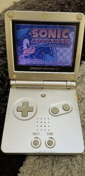 Used Game Boy Advance SP with 5games rare! in Dubai, UAE
