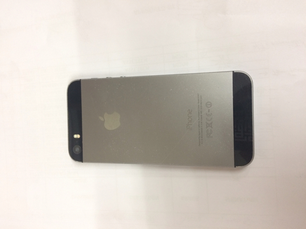 Used Iphone 5s 64gb With Handsfree And Charger In Box. Normal Scratches On Body. In Perfect Working Condition.   in Dubai, UAE