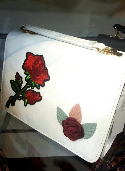 Used Trendy Leather bag with free wallet in Dubai, UAE