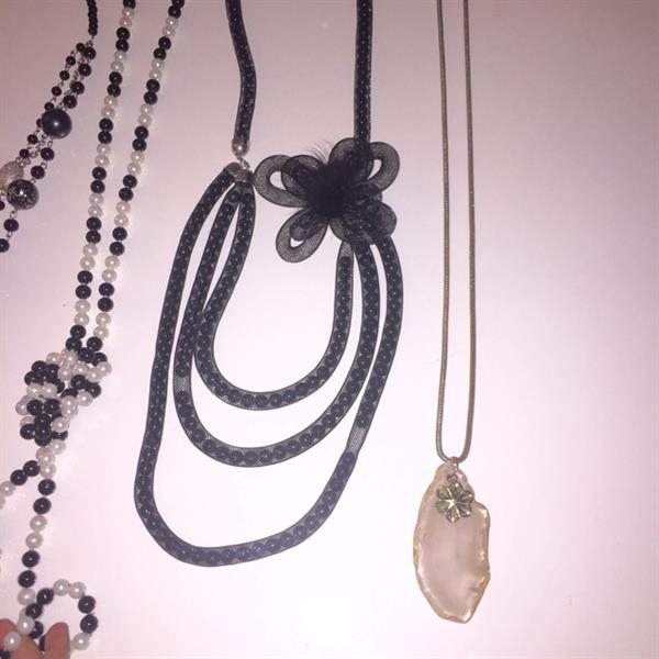 Used Preloved Ladies Accessories. Price Includes The Delivery To Your Door in Dubai, UAE