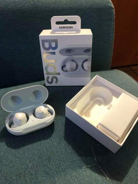 Used 💞💞SAMSUNG GALAXY NEW EARBUDS 💕💕GRAP in Dubai, UAE