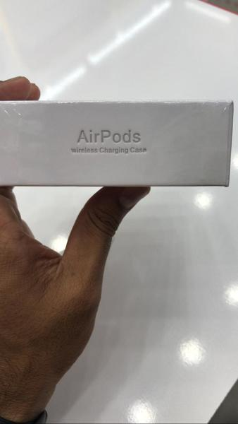 Used Master Copy Airpods 2 ⭐ in Dubai, UAE
