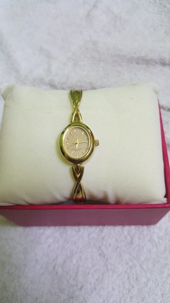 Used 2 pcs watch for girls in Dubai, UAE