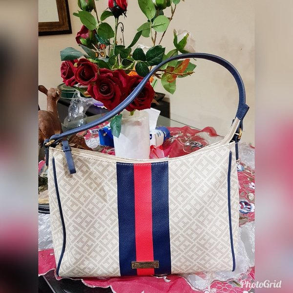 Used Authentic preloved tommy hilfiger bag in Dubai, UAE