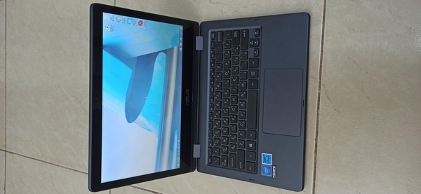 Used Asus touch screen laptop used 3 months in Dubai, UAE