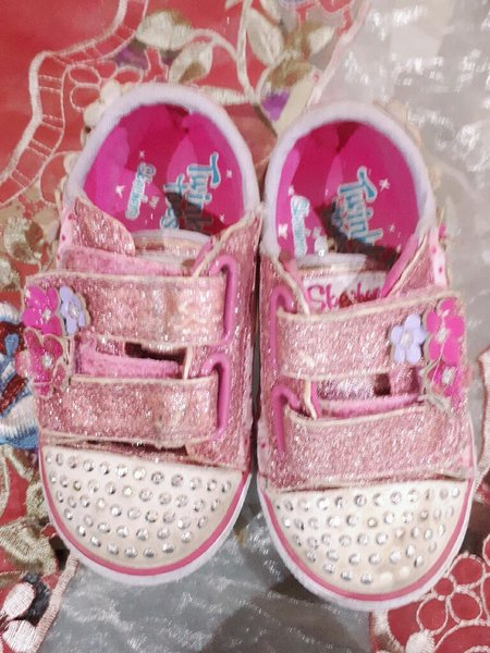 Used Sketchers twinkle girl shoes👸 in Dubai, UAE