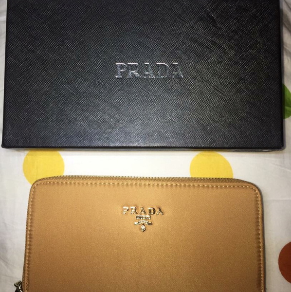 Used Prada Wallet in Dubai, UAE
