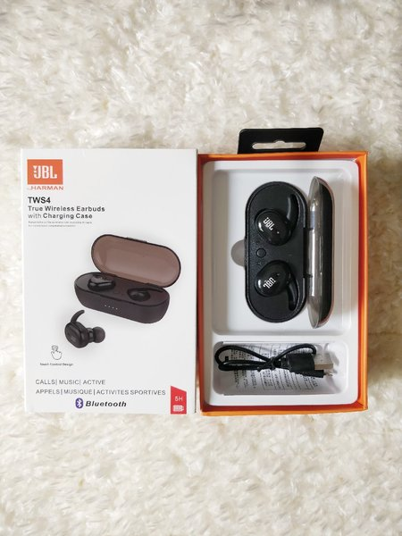 Used ~JBL AIRPODS NEW~ in Dubai, UAE
