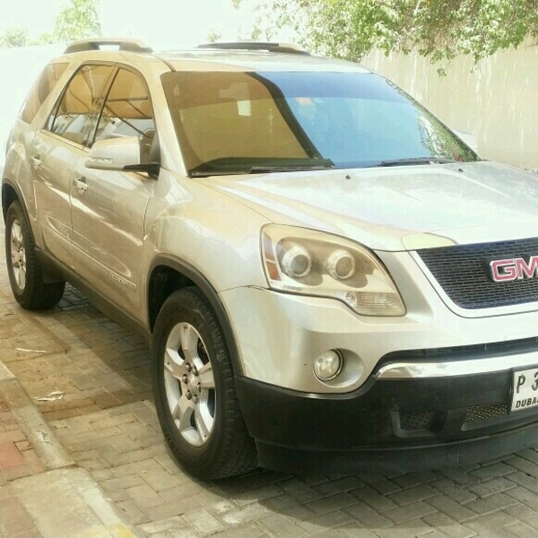 Used GMC ACADIA GCC SLT FULL OPTION 7 SEATER LIKE NEW  in Dubai, UAE