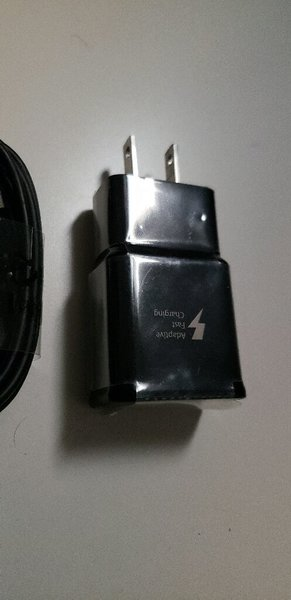 Used SAMSUNG Original fast charger in Dubai, UAE