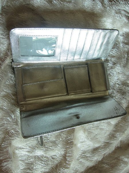 Used Silver wallet and clutch in Dubai, UAE