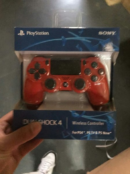 Used Sony ps4 controller red color in Dubai, UAE
