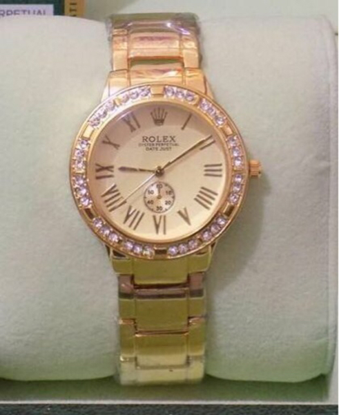 Used Golden Rolex watch  in Dubai, UAE
