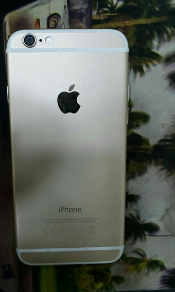 Used I Phone 6s 32gb Gold With Charger Only With Out Box in Dubai, UAE