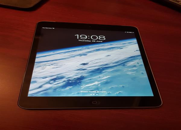 Used iPad Mini 2. Retina Display. 128GB,Wi-Fi+Cellular in Dubai, UAE