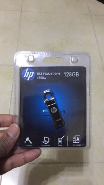 Used HP 128GB USB Flash Drive New in Dubai, UAE