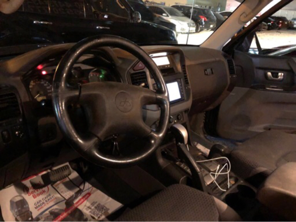 Used Mitsubishi pajero in Dubai, UAE