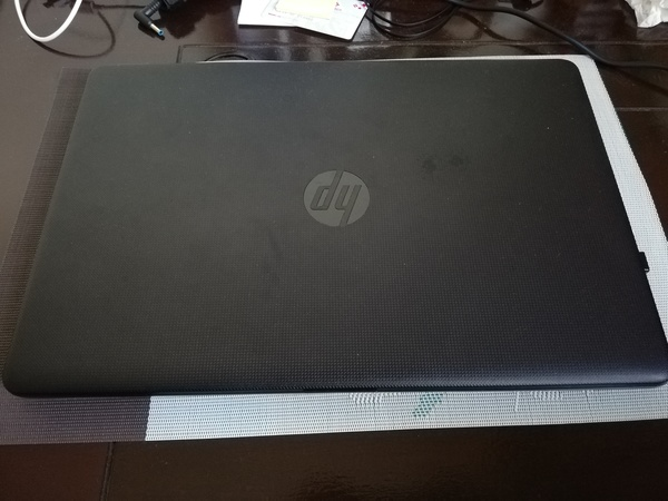 Used HP laptop i7 7th gen mint condition box in Dubai, UAE