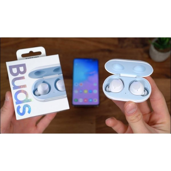 Used BUDS WIRELESS NEW ALL COLOR AVAILABLE in Dubai, UAE