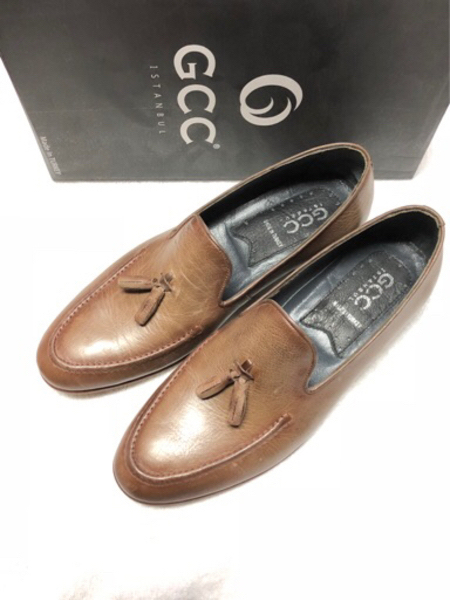 Used Brown leather shoes size 44 in Dubai, UAE