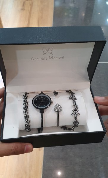 Used Accurate moment watch +bracelet set in Dubai, UAE