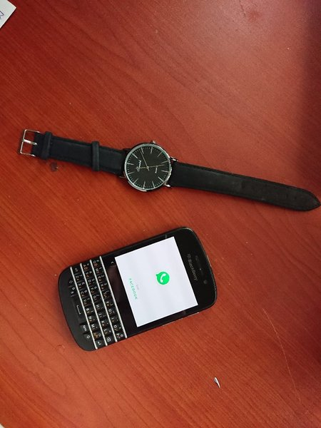 Used BlackBerry Q10 great with gift ⌚ in Dubai, UAE