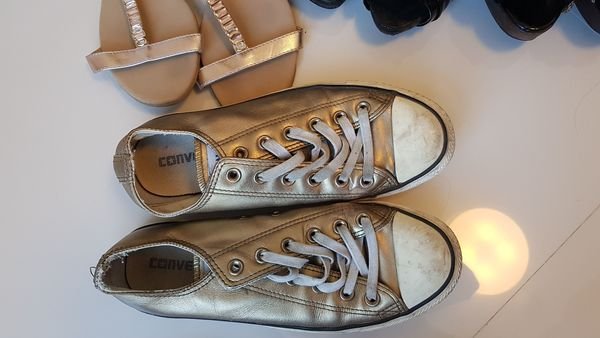 Used Size 40 converse in Dubai, UAE