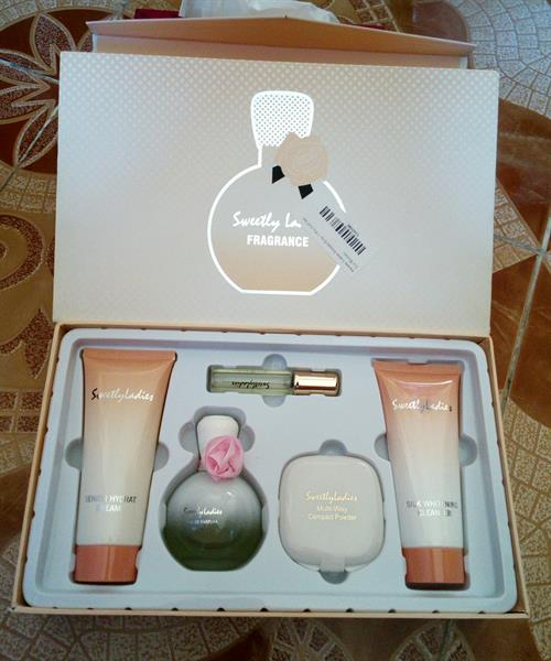 Used Perfume Gift Sets SweetlyLadies in Dubai, UAE