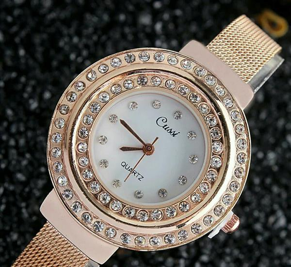 Used Pearl dial golden watch in Dubai, UAE