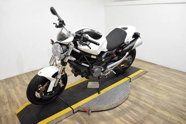 Used 2016 Ducati Monster in Dubai, UAE