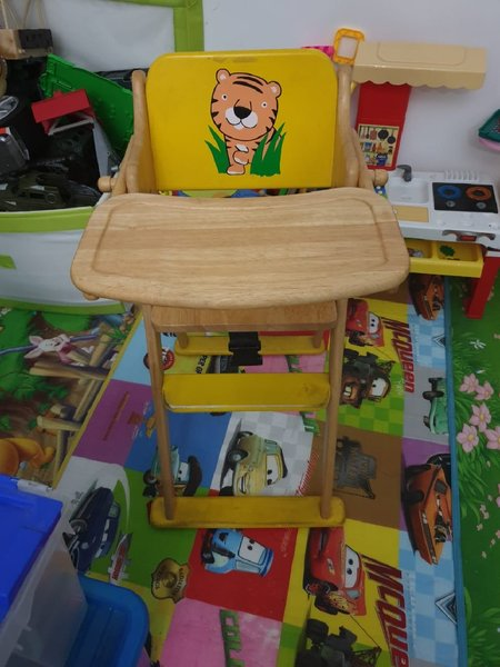 Used Baby bed and chair in Dubai, UAE