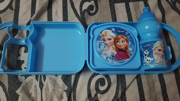 Used Elsa school bag 3D with bottle n lunchbx in Dubai, UAE