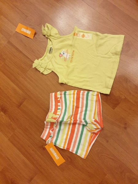 Used Yellow and pink Baby girl 2 sets in Dubai, UAE