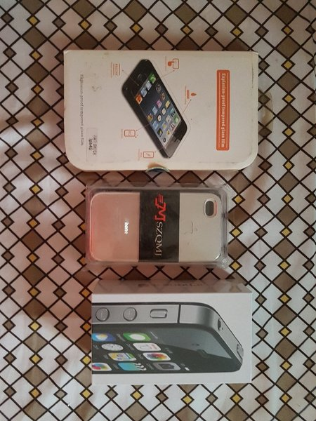 Used IPhone 4s with back case and screen prot in Dubai, UAE