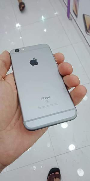 Used iPhone 6s 64Gb With Charger in Dubai, UAE