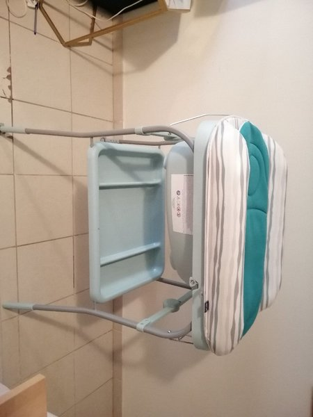 Used Chicco bath and table GREAT DEAL in Dubai, UAE