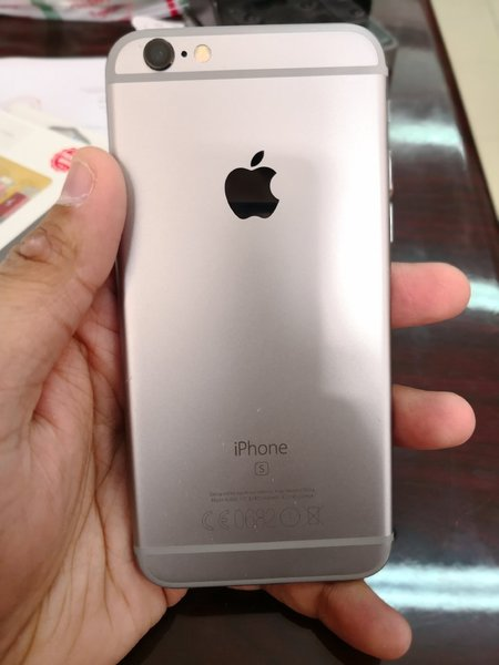 Used iPhone 6s 128GB Grey wid FaceTime in Dubai, UAE
